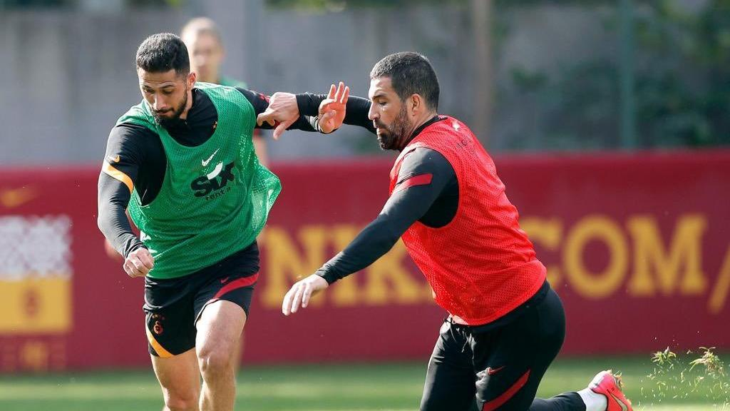 Galatasaray'da gündem transfer! Emre Akbaba, Arda Turan ve iki yabancı...
