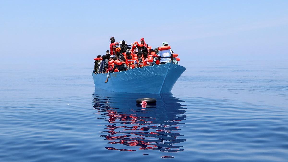 İtalya'da göçmen teknesi alabora oldu: En az 7 ölü, 9 kişi kayıp