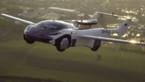Slovakya'da uçan arabadan ilk şehirlerarası yolculuk