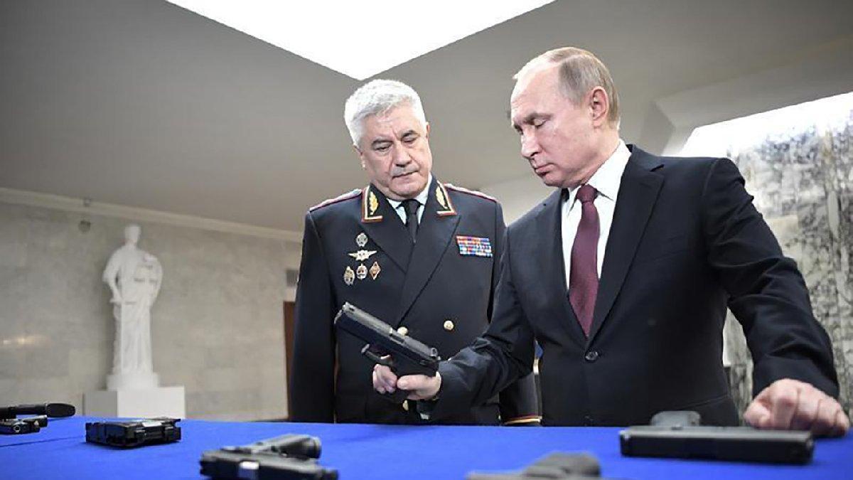 Ucu Putin'e kadar uzanıyor... İçişleri Bakanı Kolokoltsev'in gizli servetini yazan gazetecilere baskın