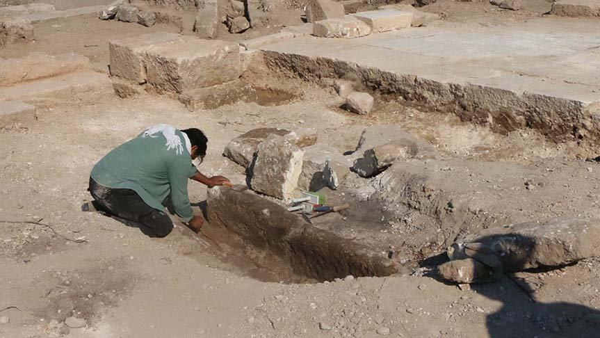 Perre Antik Kenti'nde 1000 yıllık insan iskeleti bulundu