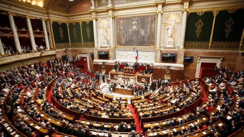 Fransa'da tartışmalı 'ayrılıkçılık' yasa tasarısı yeniden onaylandı