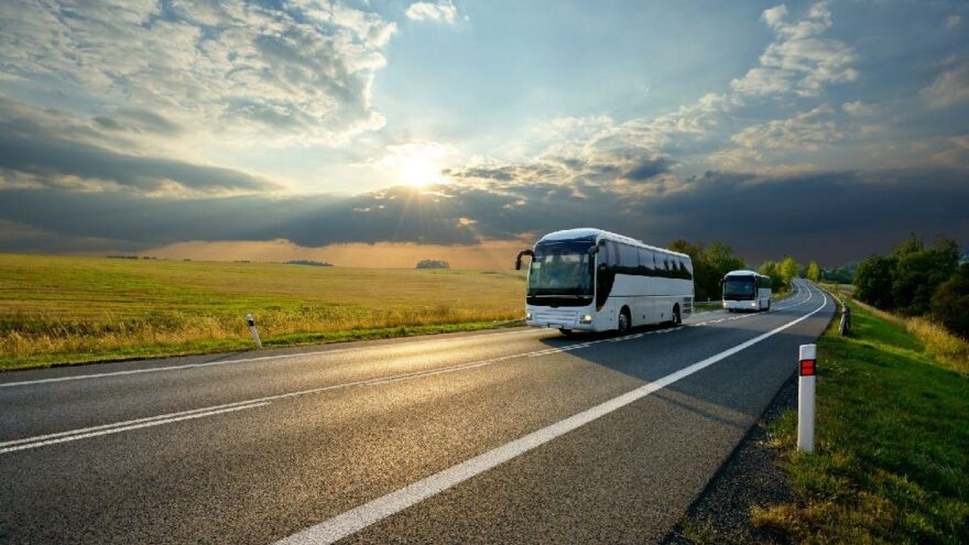 Otobüslerde kapasite sınırlaması kalktı, zamlar kaldı