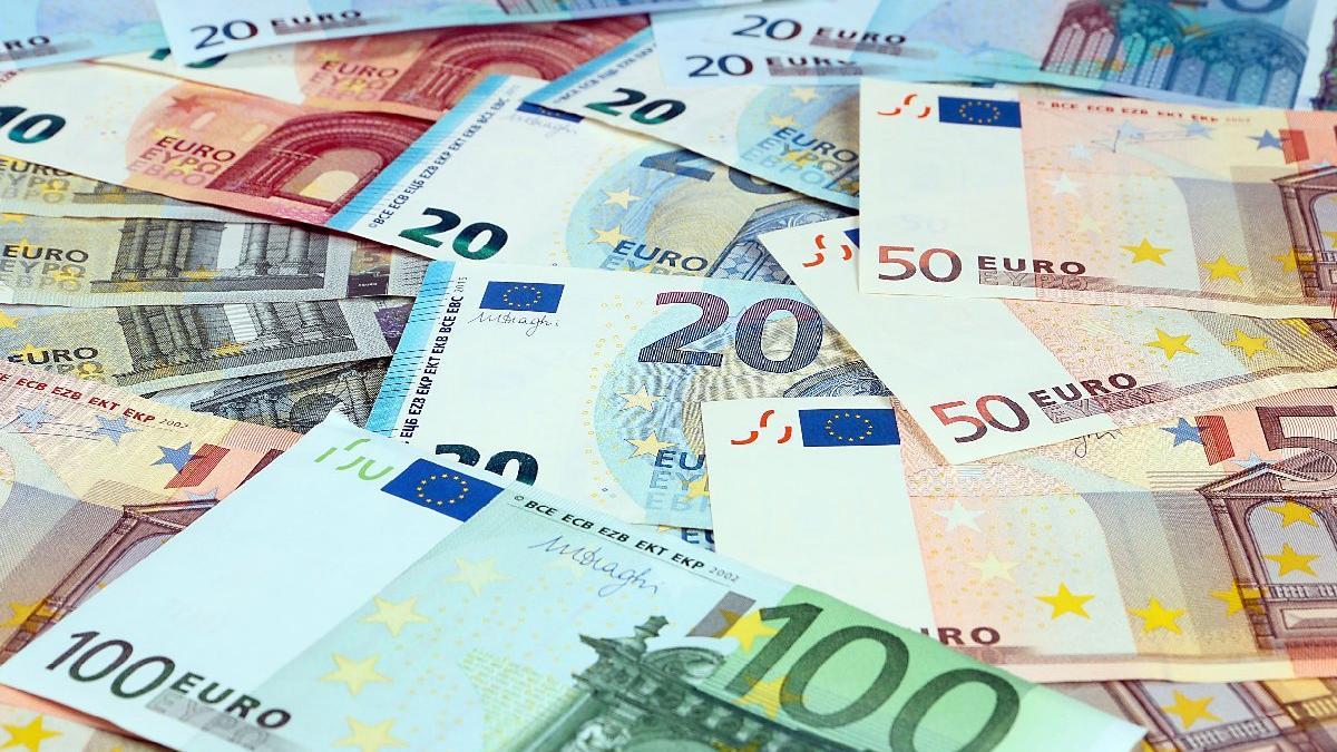 Hazine yabancıdan 1,5 milyar euro borçlandı