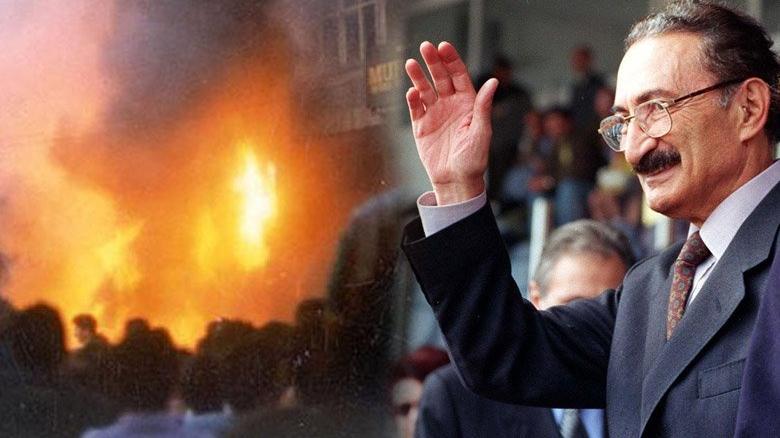 Ecevit'in 'Madımak' şiiri 26 yıl sonra gündem oldu... 'Eylemleri sözdü, silahları sazdı!'