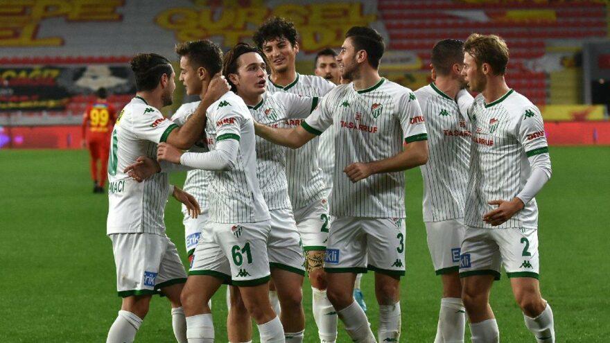 Bursaspor'un yeni formalarını taraftarı seçecek