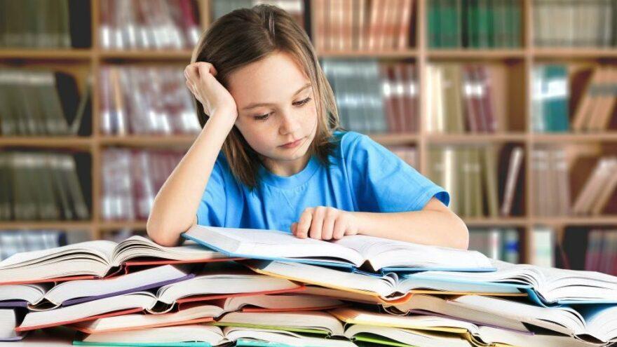 Disleksi nedir? Disleksi belirtileri ne ve tedavisi var mı?