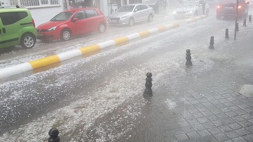 Meteoroloji'den İstanbul için sağanak ve dolu uyarısı