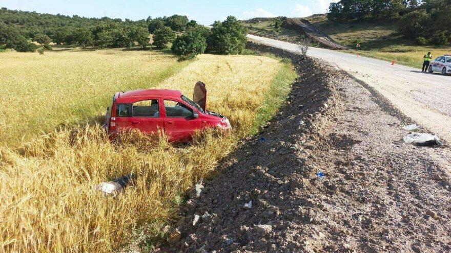 Virajı alamayan araç devrildi: 1 kişi öldü, 2 kişi ağır yaralandı