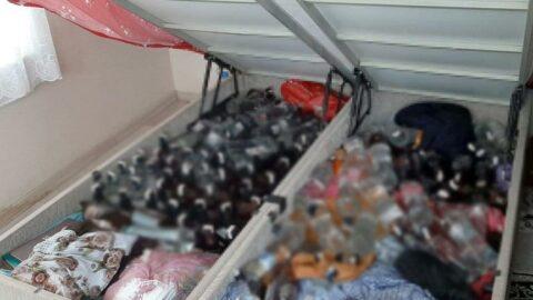 Baza altında, çamaşır ve bulaşık makinesi içinde kaçak içki ele geçirildi