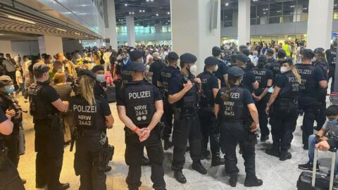 Almanya'da Türk yolculara polis müdahalesi: Türkiye'ye uçuşlar durduruldu
