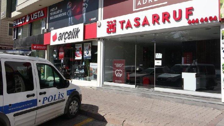 Faizsiz konut edindiren 29 şirket kapatılmıştı... Polis nöbete başladı