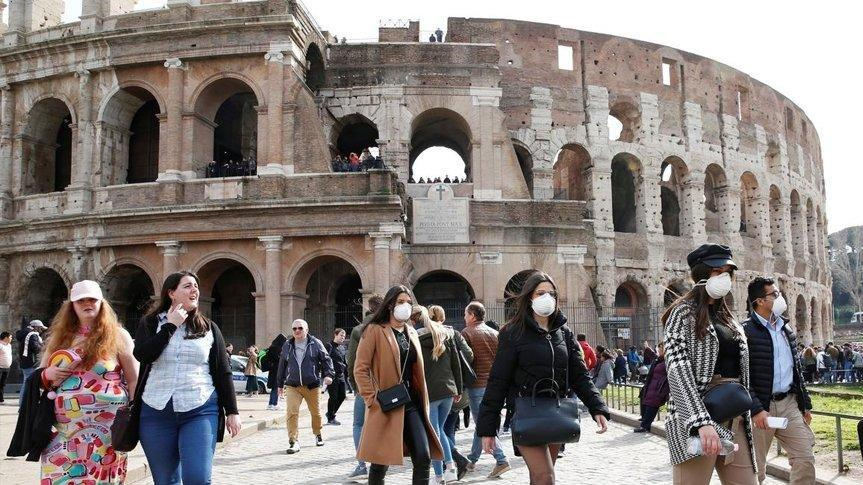 İtalya'da 932 yeni vaka