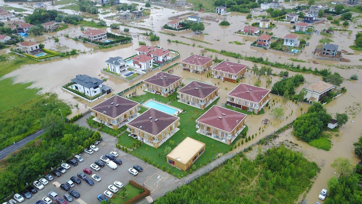 Şile'de dereler taştı, mahalle sular altında kaldı