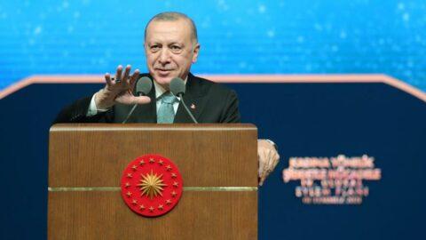 Financial Times'tan Erdoğan analizi: Ekonomik gerileme, desteği en düşük seviyeye getirdi