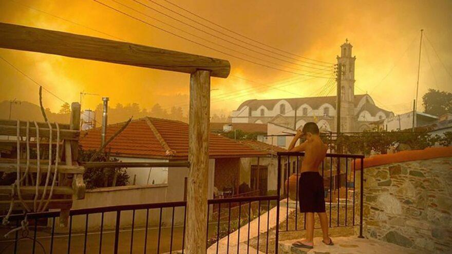 Güney Kıbrıs'ta yangından ölenlerin sayısı artıyor