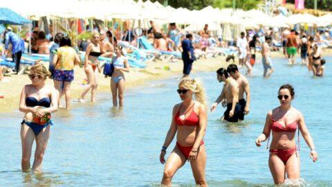 Kısıtlamasız ilk pazar günü sahiller doldu