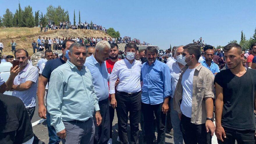 Tütün eylemleri sürüyor, AKP'li Aydın suçu Ecevit ve Derviş'e attı