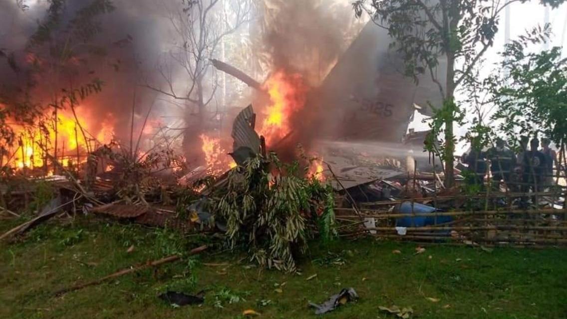 Onlarca insan öldü: Filipinler'de askeri uçak düştü