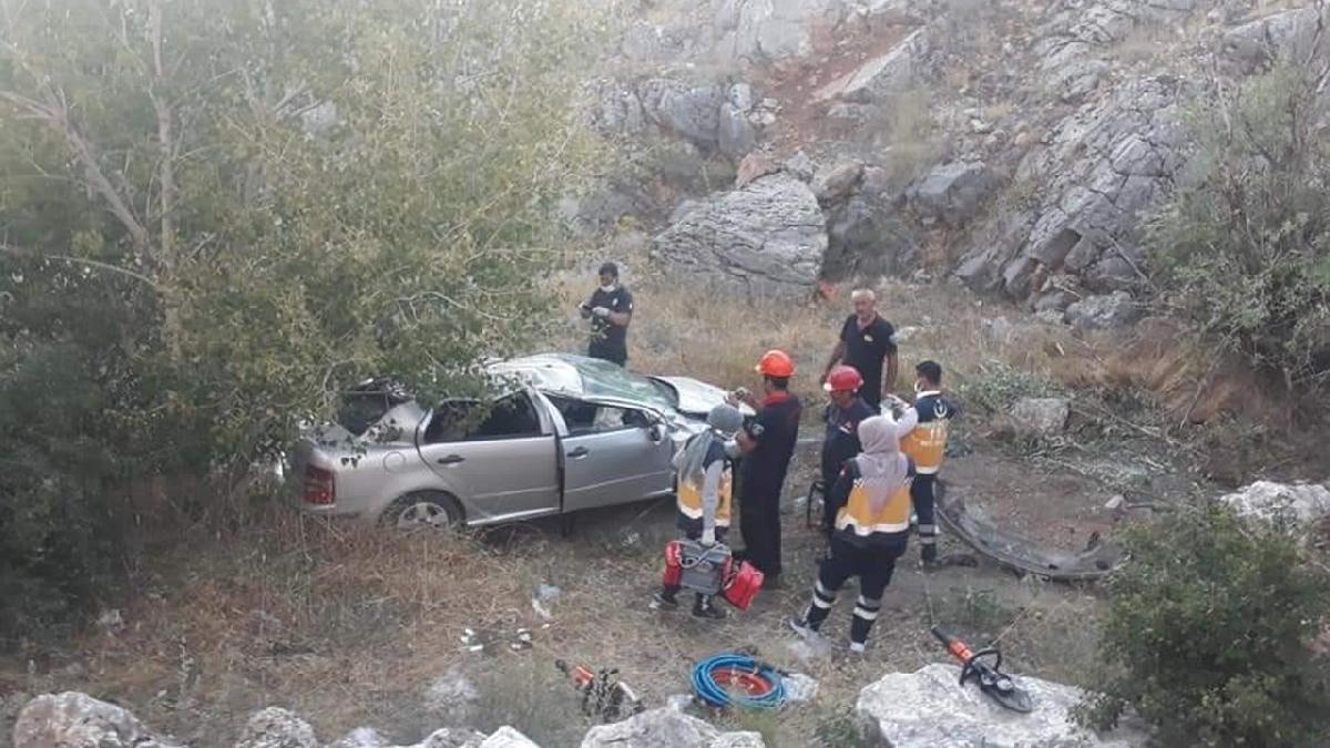 Feci kaza: 1 polis öldü, 1 polis yaralandı