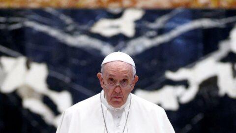 Papa'ya üç saatlik operasyon: Kalın bağırsağının bir bölümü alındı
