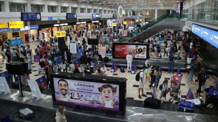 Antalya'da turizm hareketliliği: Hafta sonu toplam 128 bin yolcu indi