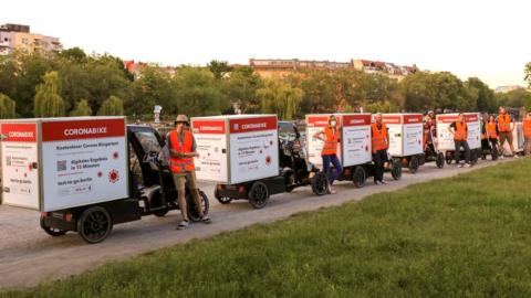 Almanya'da kullanılan hızlı COVID testleri yeni bir tartışma yaratıyor