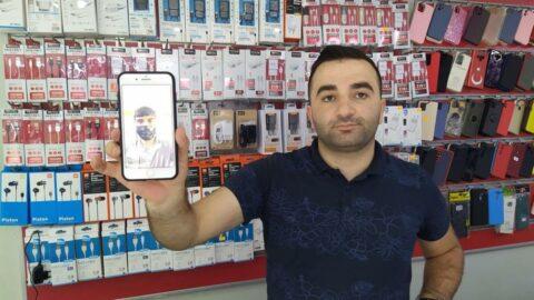 Selfie meraklısı hırsız geride fotoğrafını bıraktı