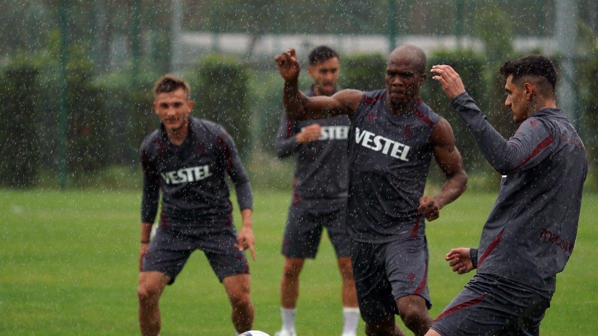 Trabzonspor, yağmur altında çalıştı