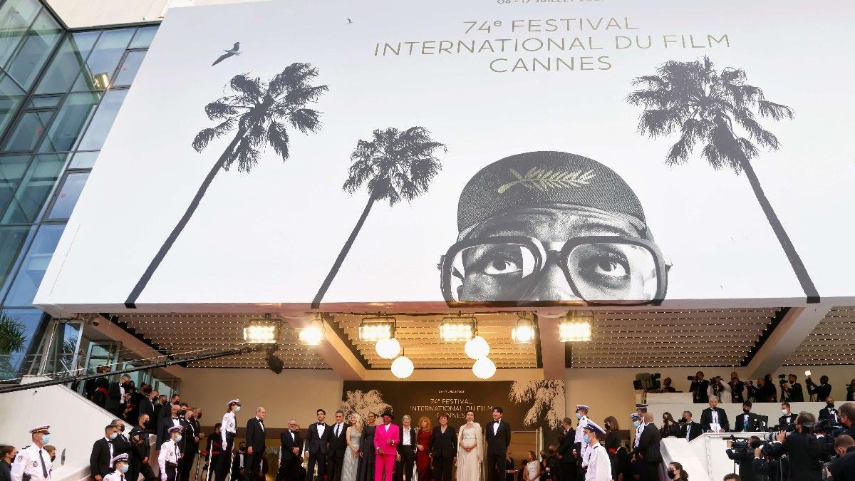 Sinema dünyasının kalbi Cannes'da atıyor: 74. Cannes Film Festivali başladı