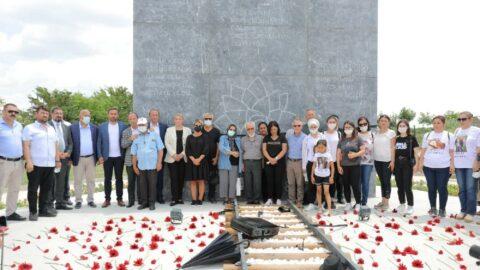 '8 Temmuz Anıtı' açıldı: Aynı acıyla can çekişiyoruz
