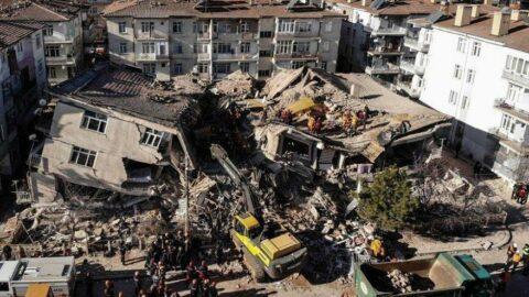 'Elazığ depreminin ardından köy evlerinin dahi temeli atılmadı'
