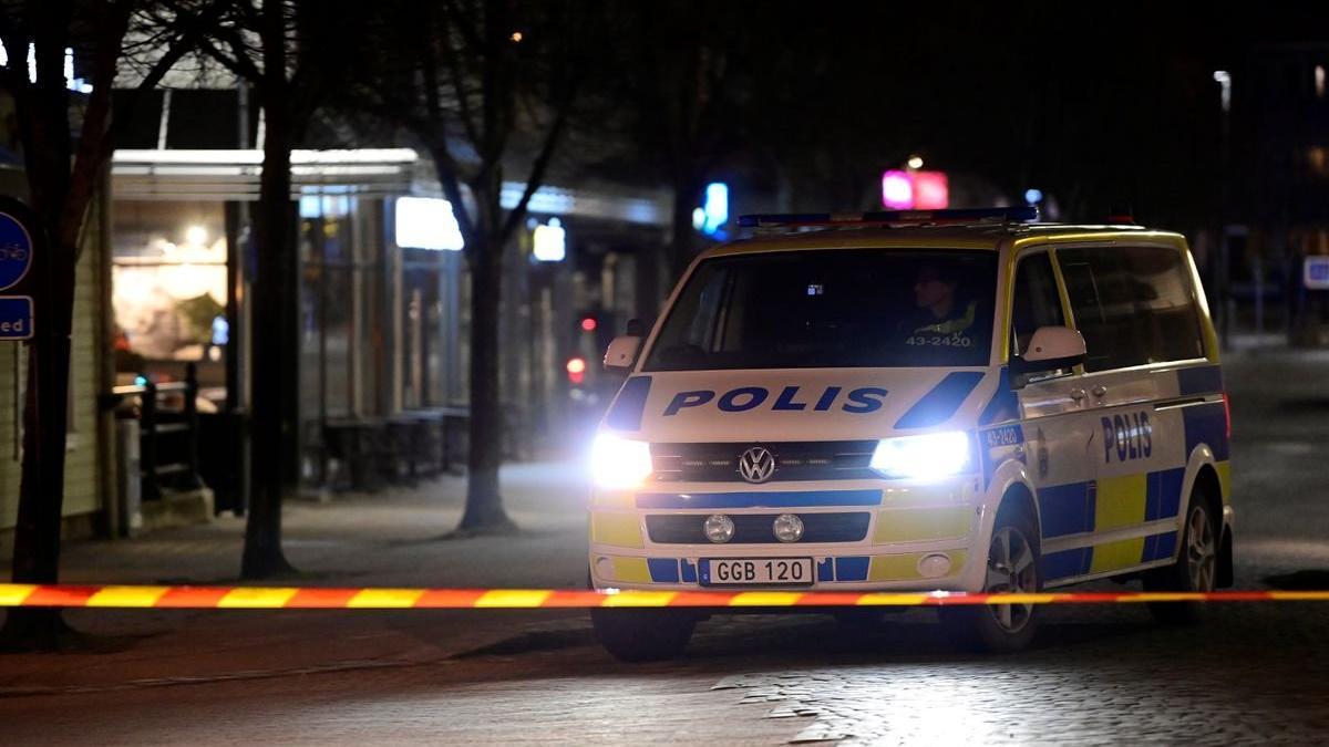 İsveç'te uçak kazası