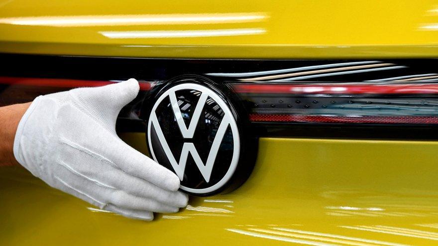 Avrupa Komisyonu'ndan Volkswagen ve BMW'ye para cezası