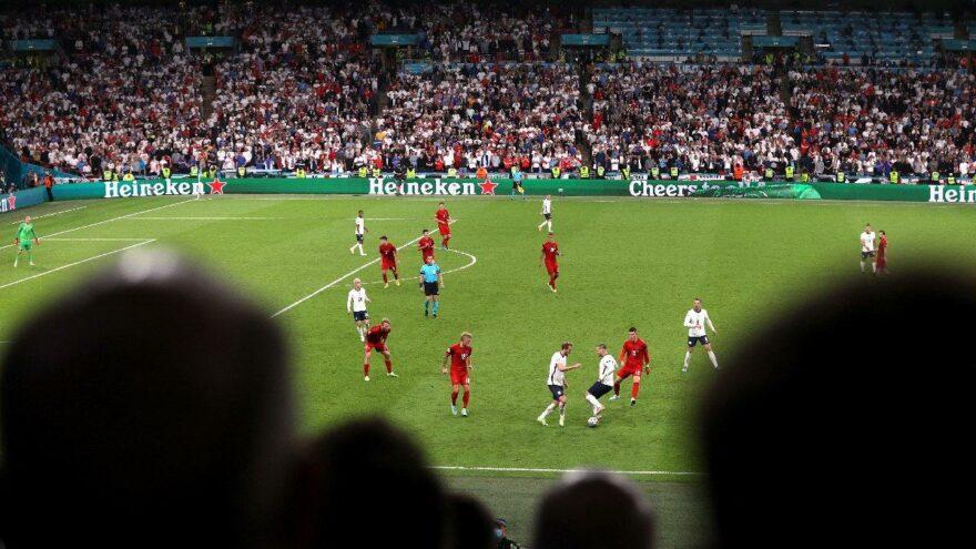 İngiltere-Danimarka maçında tarihe geçen pas trafiği! 161 saniyede gelen rekor
