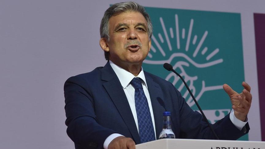 Abdullah Gül'den gençlere: Aklınızı, fikrinizi başkasına kiraya vermeyin