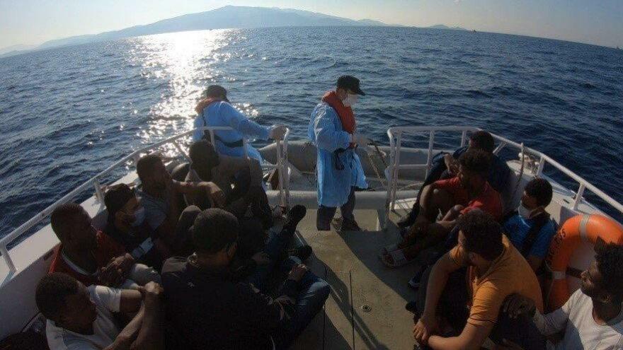 Yunanistan tarafından geri itilen göçmenler kurtarıldı