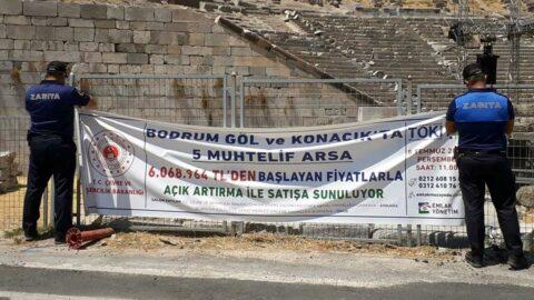 Bodrum'da kamu mallarının satış pankartlarını zabıta topladı