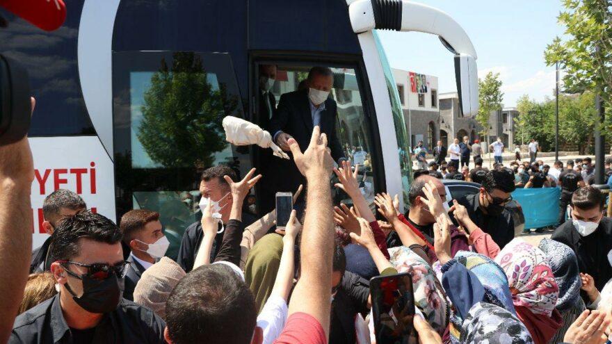 Erdoğan'dan AKP'lilere çağrı: Teşkilattan ayağı soğuyanların ayağına gidin