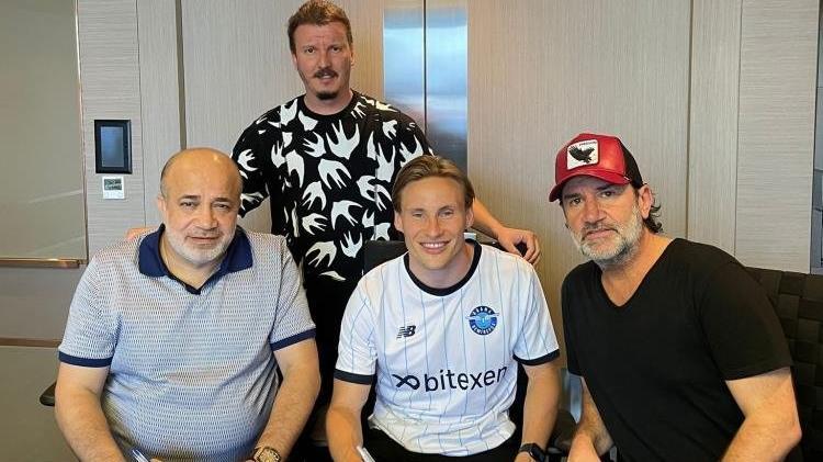 Adana Demirspor, Jonas Svensson'a 3 yıllık imza attırdı