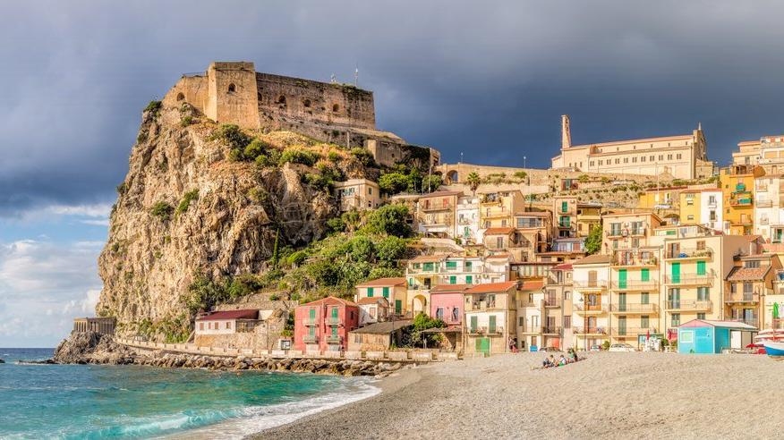 İtalya'dan cazip teklif: Denize yakın, yeşilin içinde yaşamak isteyenlere 33 bin dolar verilecek
