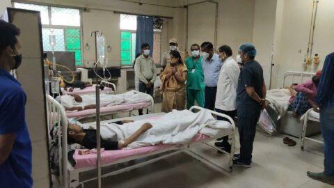 Hindistan'da yıldırım düştü: 28 kişi öldü