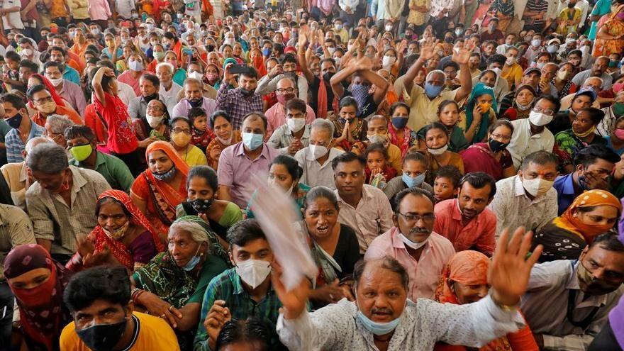 Hindistan'da nüfus artışını yavaşlatma planı: 3 çocuğu olan memurluğa başvuramayacak
