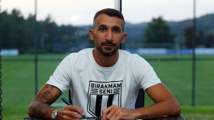 Beşiktaş, Mehmet Topal'a imzayı attırdı