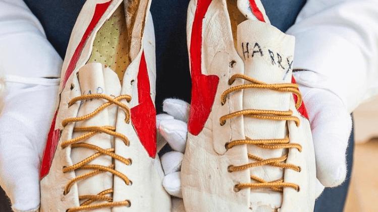 El yapımı Nike ayakkabıların 1.2 milyon dolara satılması bekleniyor