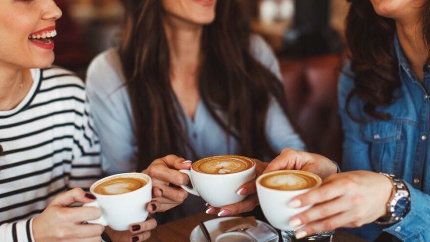 Bilim insanları: Düzenli kahve içmek Covid-19 riskini azaltıyor