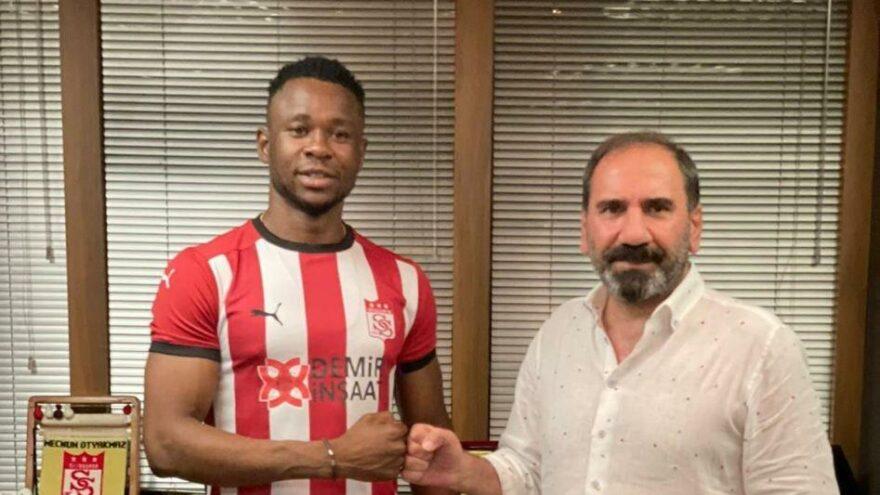 Sivasspor, Leke James'e imzayı attırdı