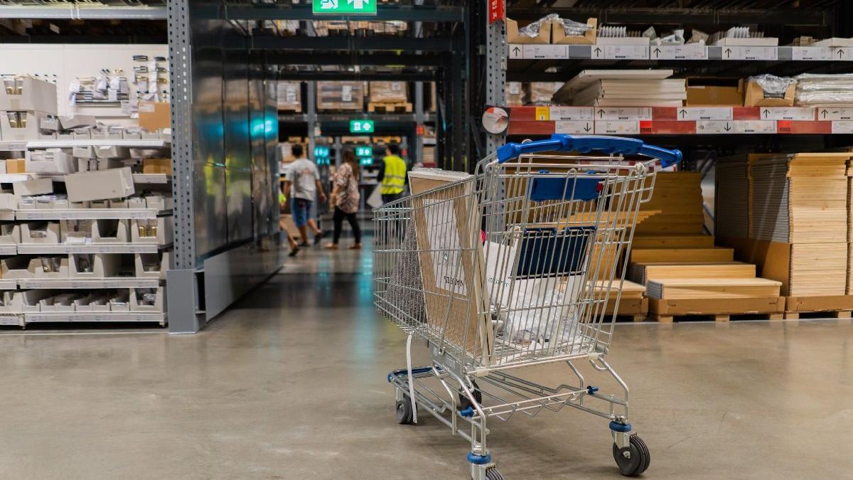 Perakende satış hacmi yıllıkta arttı, aylıkta azaldı