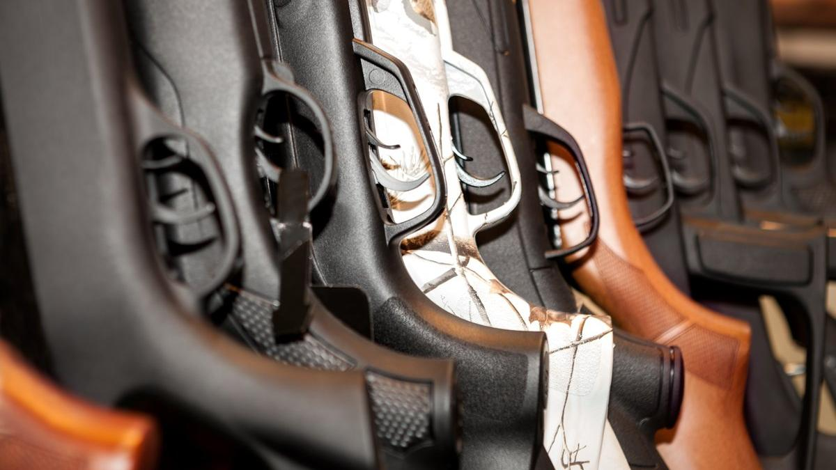 Kayıp silahlarla ilgili çarpıcı açıklama: Hükümet kendisine özel silahlı kuvvetler mi oluşturuyor?