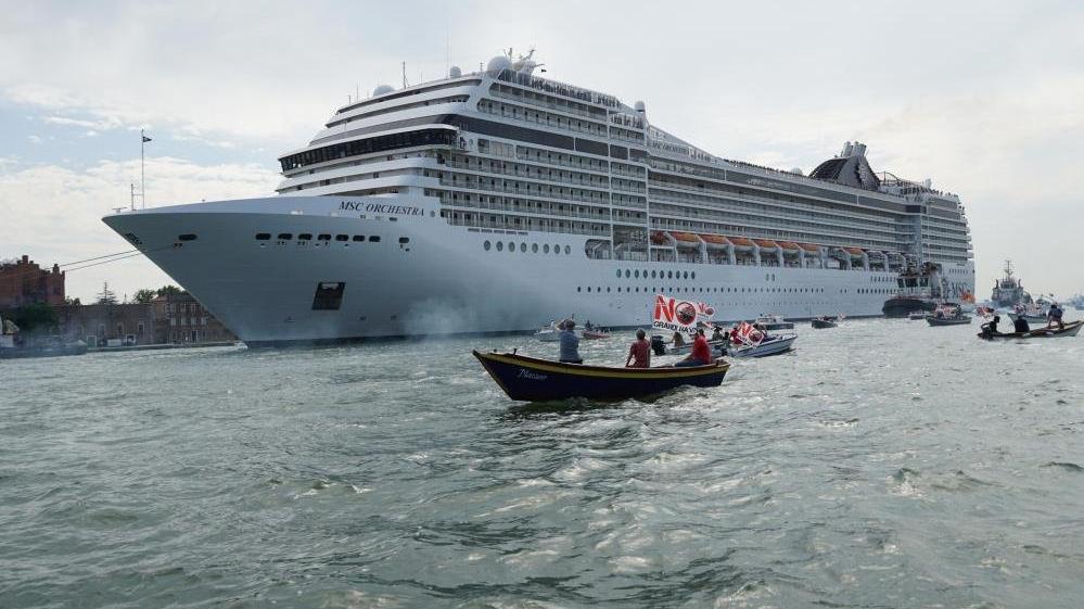 İtalya tartışmalara son noktayı koydu: Venedik'e girişleri yasaklandı